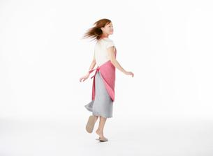 ダンスをする女性の写真素材 [FYI02845147]