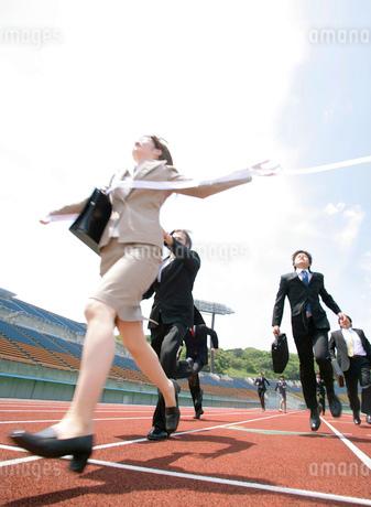 競技場とビジネスマンの写真素材 [FYI02845644]