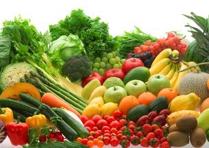 穫れたて野菜とフルーツの集合の写真素材 [FYI02846528]