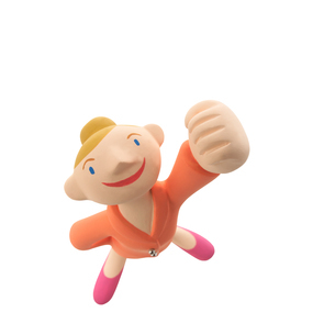 手をグーにして片手を上げる女の子 クラフトの写真素材 [FYI02847118]