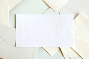 たくさんの封筒の写真素材 [FYI02847401]