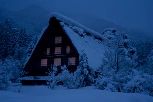 白川郷合掌造り集落 冬の写真素材 [FYI02848018]