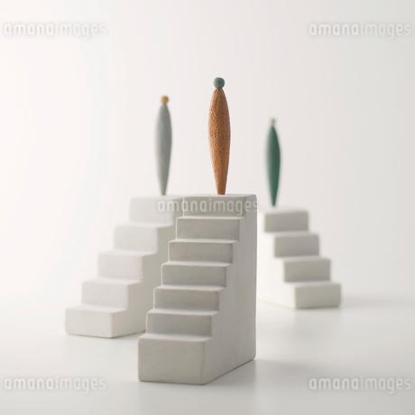 ピープルと階段 クラフトの写真素材 [FYI02848560]
