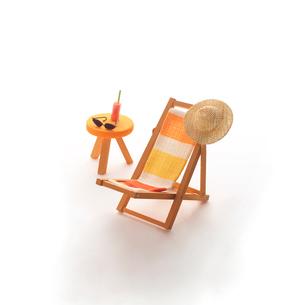 ミニチュアルームのビーチチェア クラフトの写真素材 [FYI02848630]