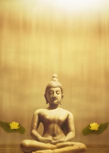 仏像のオリエンタルイメージの写真素材 [FYI02848806]