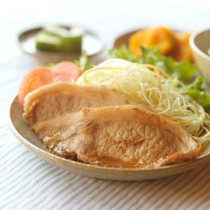 生姜焼き定食の写真素材 [FYI02849811]