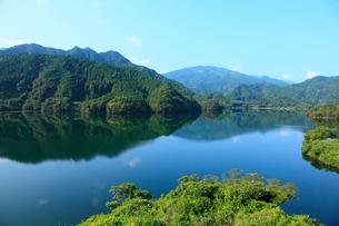 黒瀬湖(黒瀬ダム湖)の写真素材 [FYI02851027]