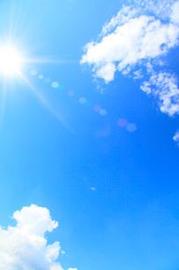 雲と太陽の写真素材 [FYI02851072]