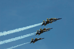 The Blue Angels perform aerial demonstrations during an airの写真素材 [FYI02851475]