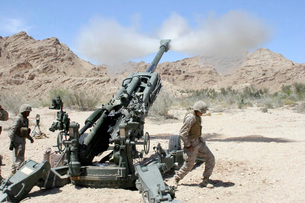 Marines shoot 100-pound rounds from their M777 Lightweight Hの写真素材 [FYI02851697]