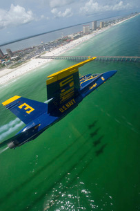 The Blue Angels perform a practice flight demonstration over Florida.の写真素材 [FYI02851750]