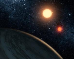 Artist's concept illustrating Kepler-16b.のイラスト素材 [FYI02851896]