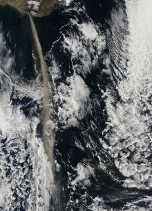 Satellite view of an ash plume from Eyjafjallajokull Volcanoの写真素材 [FYI02853056]