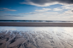 Beach at low tideの写真素材 [FYI02853133]