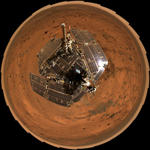 Mars Exploration Rover on the surface of Mars.の写真素材 [FYI02854008]
