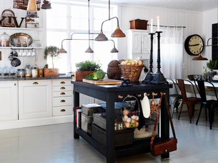 Kitchen interior in country homeの写真素材 [FYI02855459]