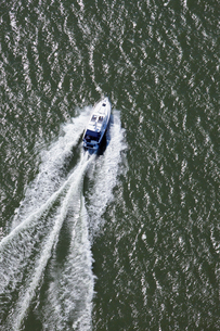 Finland, Uusimaa, Siuntio, View of motor boatの写真素材 [FYI02855598]