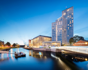 Sweden, Skane, Malmo waterfront with Malmo Live buildingの写真素材 [FYI02855609]