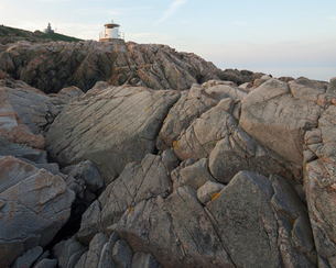 Sweden, Skane, Kullaberg, Cracked coastal rocksの写真素材 [FYI02855697]