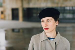 Sweden, Sodermanland, Stockholm, Skogskyrkogarden, Portrait of woman at Woodland Cemeteryの写真素材 [FYI02855706]
