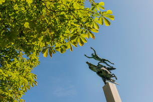 Sweden,  Skane, Malmo, Low angle view of Pegasus statue against clear sky in Kungsparkenの写真素材 [FYI02855776]