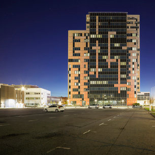 Sweden, Skane, Lund, Ideon Science Park, Parking lot and building exteriorの写真素材 [FYI02855889]