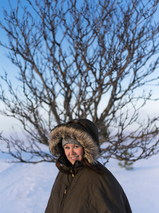 Finland, Keski-Pohjanmaa, Kokkola, Portrait of woman in winter coatの写真素材 [FYI02856014]
