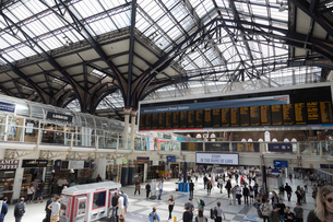 Liverpool Street Station in Liverpool, Englandの写真素材 [FYI02856096]