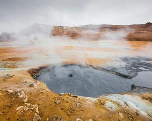 Iceland, Norourland eystra, Hverarond field and Namafjallの写真素材 [FYI02856136]