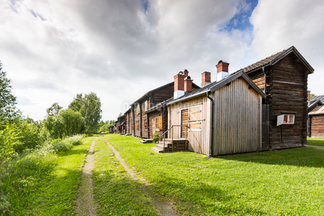 Wooden houses in Bonnstan, Swedenの写真素材 [FYI02856224]