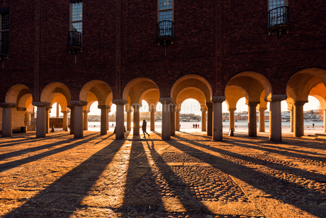 Arched columns of City Hall in Stockholm, Swedenの写真素材 [FYI02856310]