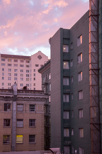 Apartment buildings in San Francisco, Californiaの写真素材 [FYI02856415]