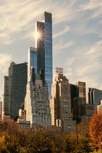 Office buildings in New York Cityの写真素材 [FYI02856461]