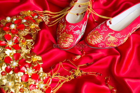 Traditional Chinese wedding elementsの写真素材 [FYI02856577]