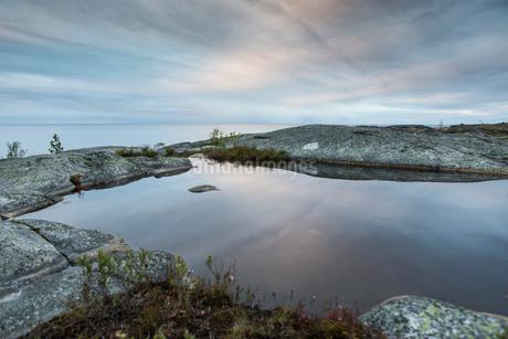 Lake in Vasterbotten, Swedenの写真素材 [FYI02856586]