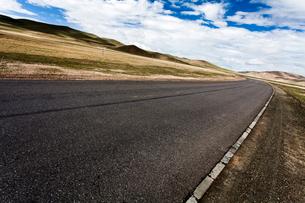 Road in Tibet, Chinaの写真素材 [FYI02856645]