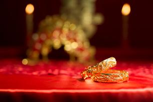 Traditional Chinese wedding elementsの写真素材 [FYI02856873]