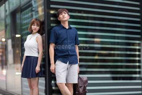 Young couple being difficult with each otherの写真素材 [FYI02857103]