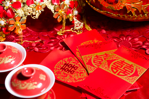 Traditional Chinese wedding elementsの写真素材 [FYI02857120]