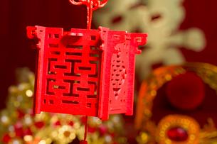 Traditional Chinese wedding elementsの写真素材 [FYI02857140]