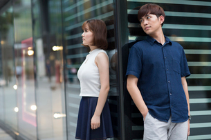 Young couple being difficult with each otherの写真素材 [FYI02857370]