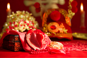 Traditional Chinese wedding elementsの写真素材 [FYI02857446]