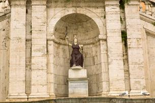Piazza Venezia in Rome,Italyの写真素材 [FYI02857558]