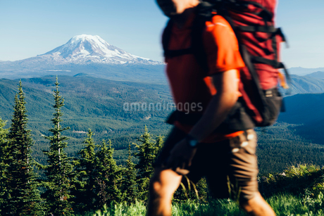 The national forest and Goat Rocks Wilderness, Cascade Range in Washingtonの写真素材 [FYI02857944]