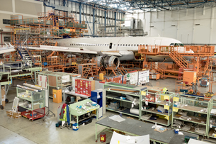 Aircraft at airlines maintenance facilityの写真素材 [FYI02858121]