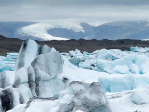 Glacial lake on the edge of Vatnajokull National Park. at the head of the Breidamerkurjokull glacierの写真素材 [FYI02858464]
