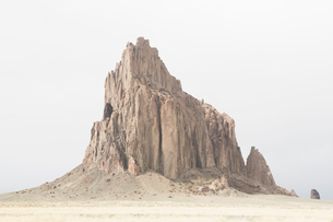 Shiprock is a sacred Navajo landmark on the Navajo Indian Reservation in New Mexicoの写真素材 [FYI02858487]
