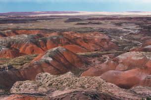 Elevated view of the Painted Desert rock formations in the Petrified Forest National Parkの写真素材 [FYI02858807]
