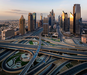Cityscape of Dubai, United Arab Emirates, with skyscrapers and highways in the foreground.の写真素材 [FYI02859006]