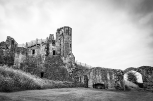 Exterior view of medieval keep of Kenilworth Castle, Warwickshire.の写真素材 [FYI02859610]